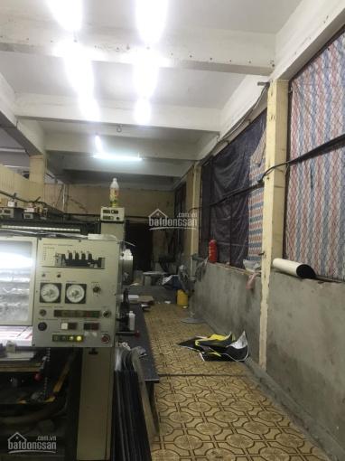 Cho thuê kho xưởng chính chủ DT 100m2, tường xây bao quanh, nền đá hoa tại ngõ Trường Chinh 13tr/th
