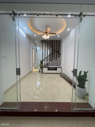 Bán nhà Khương Đình, DT 43m2 x 4 tầng, mặt ngõ thông, kinh doanh, có nội thất mới, giá 4.95 tỷ