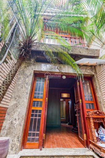 Chính chủ bán biệt thự Pháp cổ full nội thất KD nhà hàng tại số 8 Hạ Hồi, DT 99m2, giá 27 tỷ ảnh 0