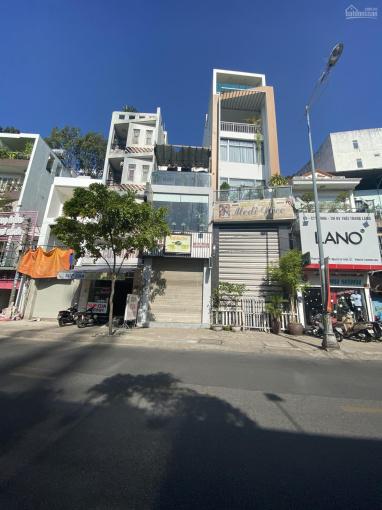 Bán gấp nhà mặt tiền Trần Hưng Đạo, Q. 5 ngay chợ Hoa Bình (8x21m) hầm 6 lầu ảnh 0