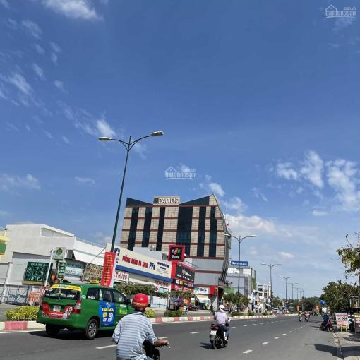 Bán gấp khách sạn phường Tân Phú, sử dụng 1600m2, 1 hầm, 1 trệt, 4 lầu, 45 phòng. LH: 0909529996 ảnh 0