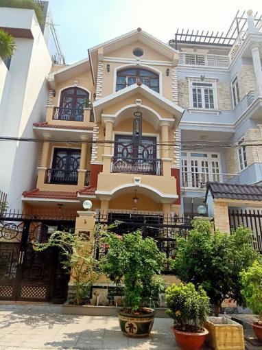 Bán biệt thự đường Dương Quảng Hàm, Gò Vấp, DT 8 x 22m, 3 lầu, giá 12.5 tỷ TL ảnh 0