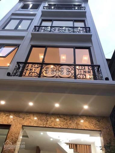 Cho thuê nguyên căn Bùi Thị Xuân, Quận 1 1 trệt 3 lầu 4 phòng 4 WC spa, shop, VP, giá 17tr/th ảnh 0