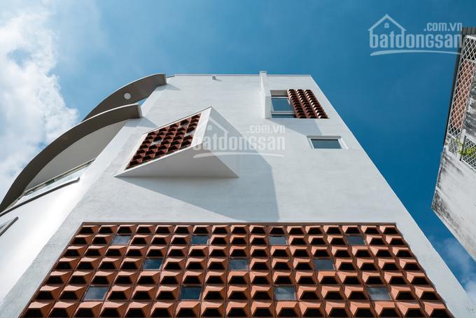 Cho thuê nguyên căn Bùi Thị Xuân, Quận 1 1 trệt 3 lầu 4 phòng 4 WC spa, shop, VP, giá 17tr ảnh 0