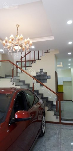 Bán nhà 3 lầu mới xây sân đậu oto phường Phú Hữu, Quận 9 ảnh 0