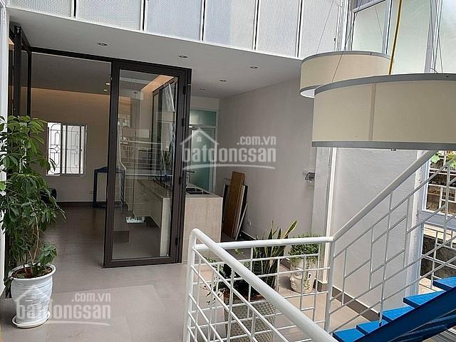 Chú 6 cần tiền bán gấp nhà ngay đường Trần Hưng Đạo Q5, giá: 1tỷ 250tr/50m2, gần chợ - 0704443201 ảnh 0