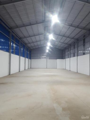 Xưởng cho thuê Phú Mỹ, Thủ Dầu Một, DT 700m2 giá 30 triệu, điện 3 pha, đường xe cont. LH 0969567222