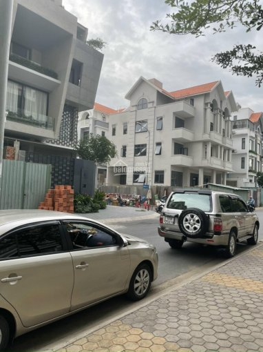 Cho thuê nhà mặt tiền 4 lầu trong đô thị Him Lam quận 7, diện tích: 200m2. LH: 0901382986 Ms. Trân ảnh 0