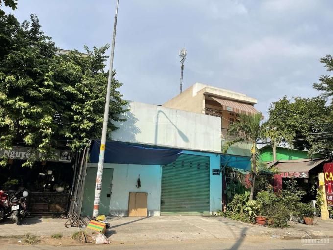 Chủ cần cho thuê nhà mặt phố 180m2 - Lê Đình Thám, quận Tân Phú cách Aeon Mall Tân Phú 3p chạy xe ảnh 0