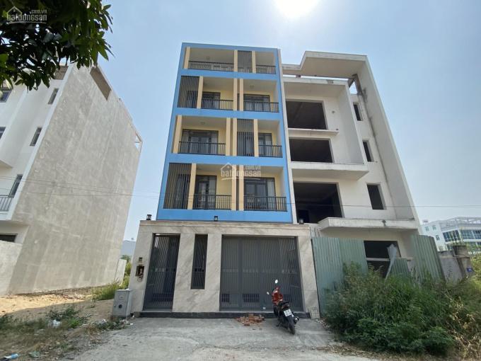 Bán nhà phố 1 trệt 4 lầu Quận 2, DT 7x17m, nhà hoàn thiện đẹp, 8 PN lớn, 7 WC, sổ hồng, giá 9.2 tỷ ảnh 0