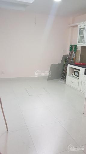 Cho thuê nhà gần hồ Văn Quán 35m2, 4 tầng ô tô cách 5m