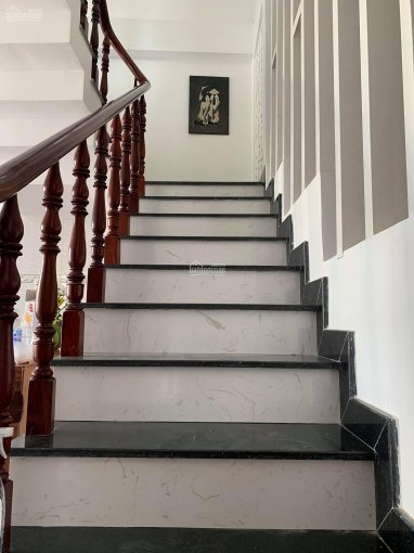 Bán biệt thự chính chủ 200m2, huyện Hóc Môn, sổ hồng, giá 5,6 tỷ chỉ bằng căn hộ ảnh 0