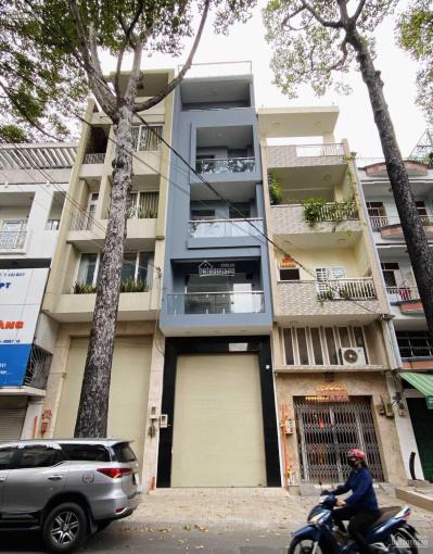 Cho thuê nhà mặt tiền Ngô Quyền, Q10 gần ngã tư Nguyễn Chí Thanh 4,2x20m 1 hầm, 4 tầng, thang máy ảnh 0