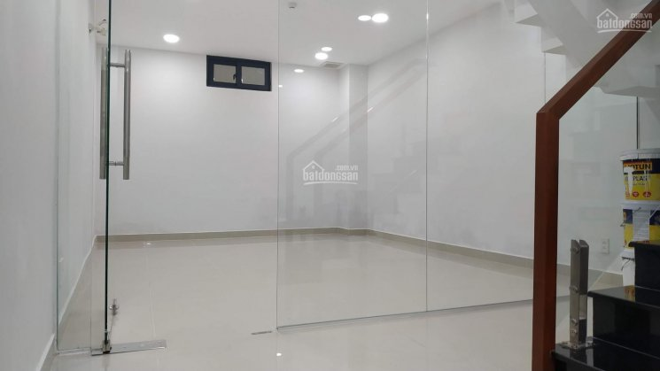 Bán nhà mặt tiền đường Nguyễn văn Cừ, Q1, DT 4x15m, giá chỉ 19.2 tỷ, căn nhà rẻ nhất con đường này ảnh 0