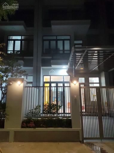 Cho thuê nhà ở thương mại Phú Mỹ đầy đủ nội thất, tiện ích đầy đủ ảnh 0