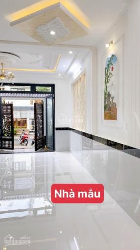"""Bán nhà """"đang hoàn thiện"""" kiểu biệt thự mini 1 trệt 2 lầu ĐS 7B (Nguyễn Văn Quang) đối diện hồ"""