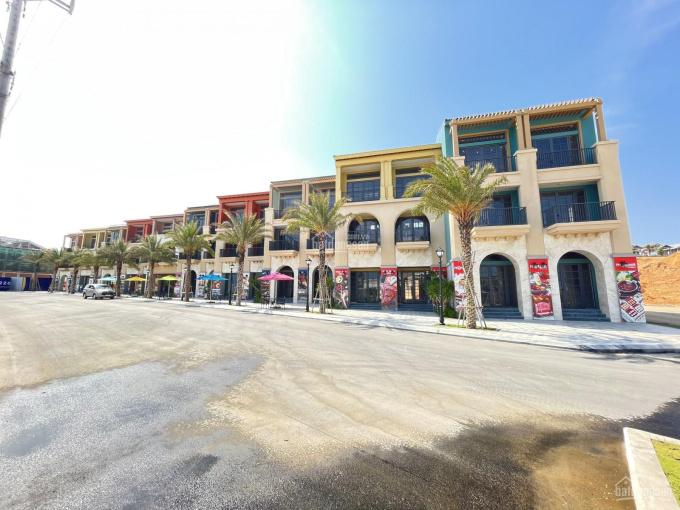 Bán shophouse mặt biển NovaWorld Phan Thiết diện tích 4x22m giá 12 tỷ bàn giao T4/2021 0908113111 ảnh 0