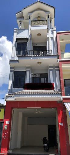 Chính chủ cho thuê nhà 4 lầu mặt tiền kinh doanh đường Nguyễn Duy Trinh, phường Phú Hữu, Q9