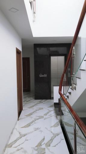 Bán nhà 4 tầng mặt tiền ngang 6m đường rộng 20m VCN Phước Hải ảnh 0