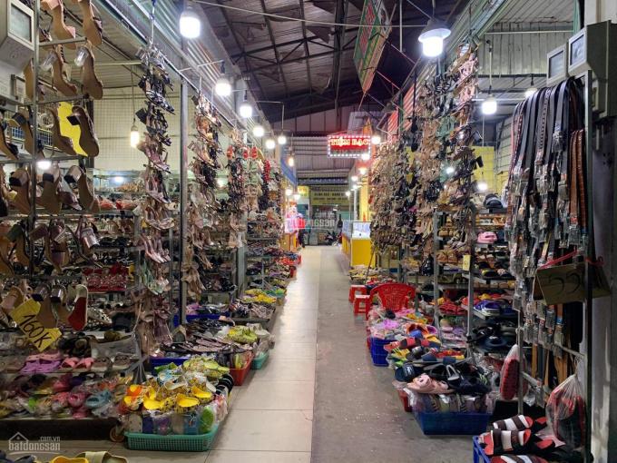 Bán kiot trong chợ Phú Chánh A nằm ngay trung tâm mua bán sầm uất