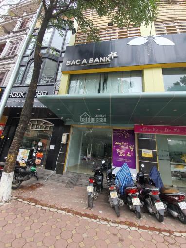 Chính chủ cần cho thuê tầng 1 và tầng 3 nhà mặt phố Trần Quốc Hoàn, Cầu Giấy