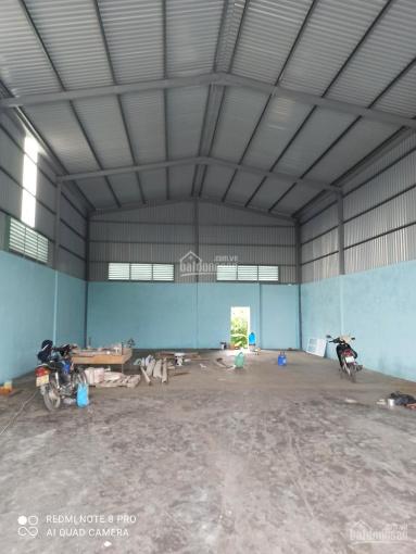 Cho thuê xưởng 200m2- 10tr/th, 300m2 - 12tr/th, 500m2 - 18tr/th, 1500m2 - 65tr/th. LH 0937.288.679