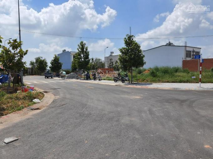 100m2 đất mặt tiền đường DT 742 gần vòng xoay Cổng Xanh ảnh 0