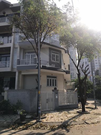 Cho thuê nhà 3 lầu góc 2 mặt tiền đường Khánh Hội, Phường 5, Quận 4 ảnh 0