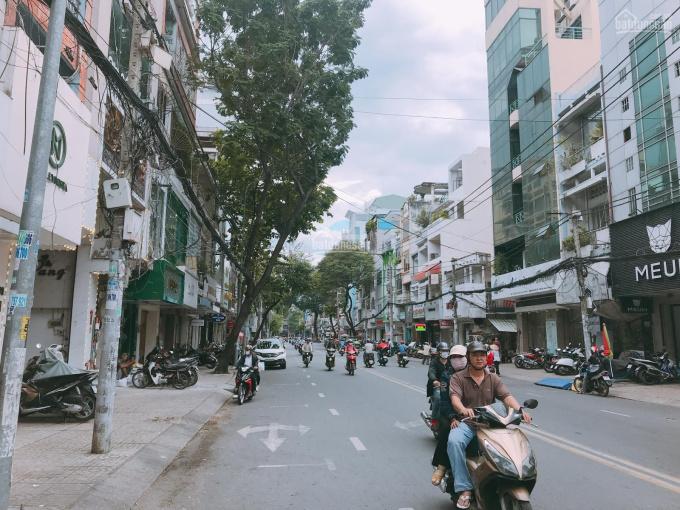 Bán nhà mặt tiền Trần Hưng Đạo, Q. 5, DT: 5 x 20m, 1 lầu giá chỉ hơn 43 tỷ ảnh 0