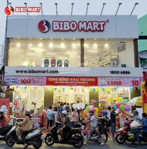 Cho thuê nhà mặt phố Nguyễn Khánh Toàn 102m2 x 2 tầng, mặt tiền 8.5m, mặt kính, sầm uất ảnh 0