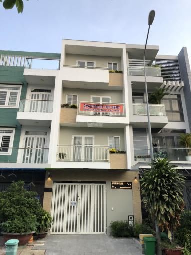 Cho thuê nhà 1 trệt 3 lầu gồm 6 phòng ngủ ở Phú Mỹ, quận 7. Liên hệ A Phúc - 0916466446 ảnh 0