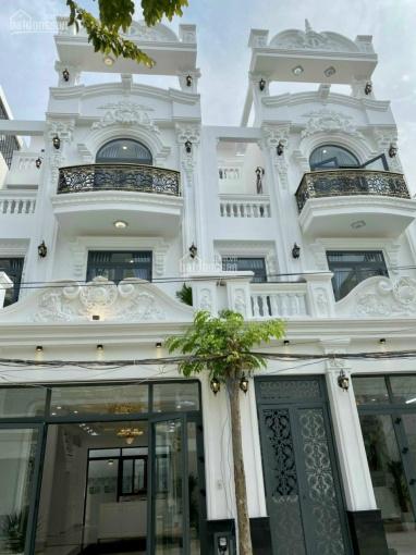 Nhà mặt phố Huỳnh Tấn Phát, 3 lầu, dt 6,4m x 12.5m, 4 pn, 5 wc, sân thượng, kiến trúc Châu Âu ảnh 0
