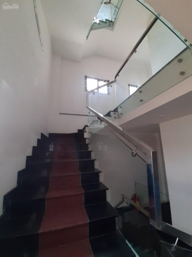 Cho thuê nhà 5 lầu MT đường Phạm Văn Đồng DT sàn 105m2(5x21) gần Gigamall tiện làm văn phòng, spa ảnh 0
