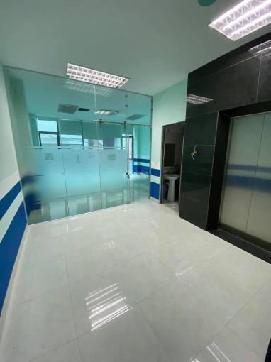 Cho thuê nhà Lê Trọng Tấn - 65m2 thông sàn - gara ô tô - có thang máy ảnh 0