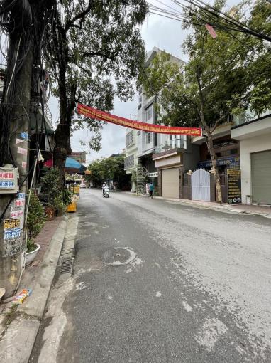 Cho thuê nhà 4 tầng mặt đường Nguyễn Thị Thuận, gần cầu rào ảnh 0