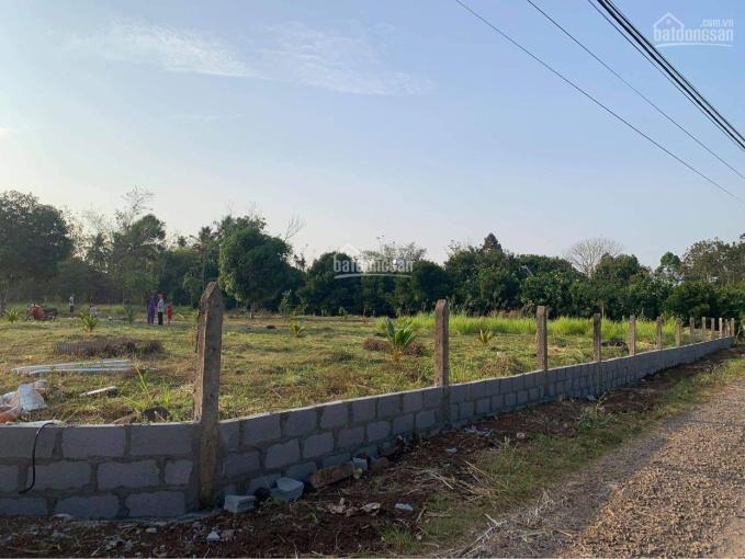 Bán gấp 5400m2 có sẵn 300m2 thổ cư, giáp suối rất đẹp thuộc xã Bình Lộc, TP Long Khánh