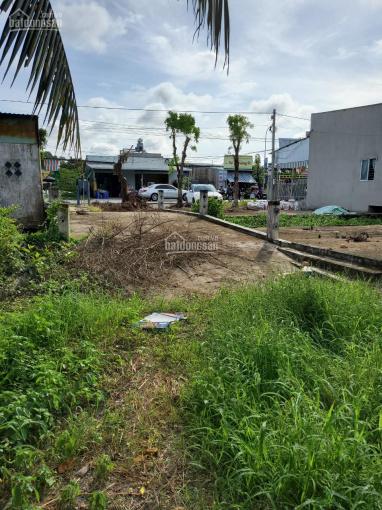 Bán đất ngã 3 Nông Trường Sông Hậu, mặt tiền QL51, giá 4tr/m2 ảnh 0