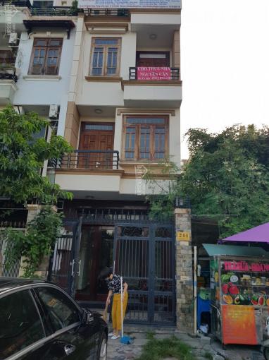 Cho thuê nhà nguyên căn 1T 3L mặt tiền Nguyễn Hoàng, Q2 ảnh 0