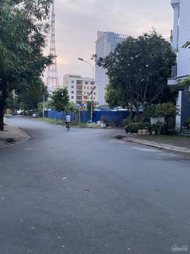 Biệt thự hầm 3 lầu siêu đẹp trung tâm phường An Phú, Quận 2. DT: 10,5 x 21m, giá tốt 31 tỷ ảnh 0