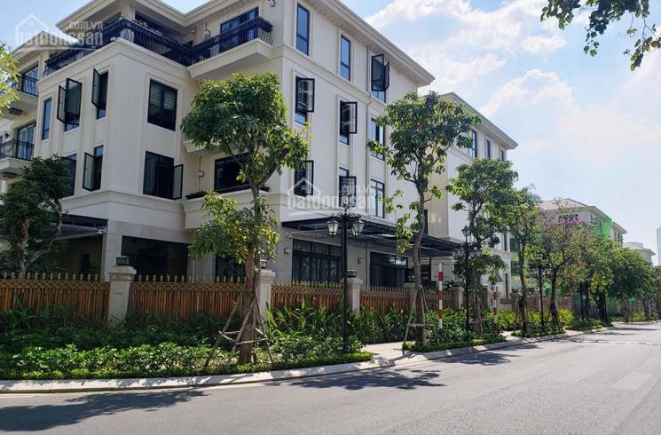 Bán biệt thự Vinhomes Ba Son Quận 1 giá tốt nhất hiện nay - 225m2 nhà thô 139 tỷ. LH: 0907661916 ảnh 0