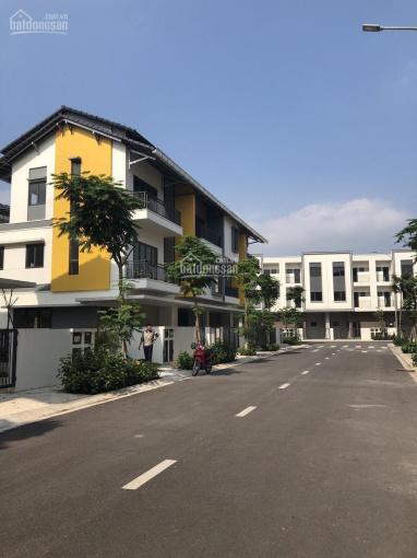 Bán gấp căn nhà phố Belhomes VSIP, 3 tầng, giá 2,7 tỷ, 1 căn duy nhất cạnh vườn hoa ảnh 0