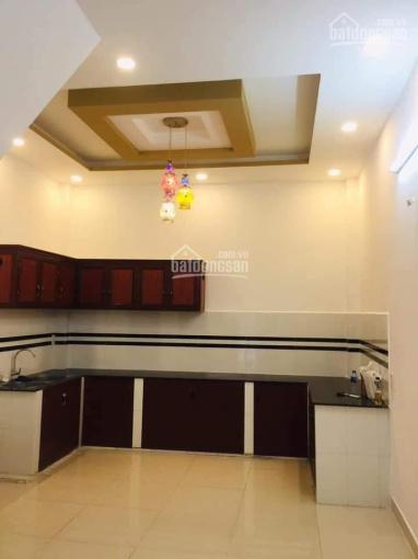 Nhà 1 trệt + 2 lầu 4 phòng ngủ giá 10.5tr hẻm 30 Lâm Văn Bền, Quận 7 ảnh 0
