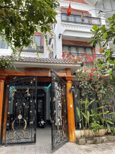 Cho thuê biệt thự KDC Nam Hoà, PLA, Q9, 1T 2L, 2PK 5PN 4WC, sân để 2 ô tô ảnh 0