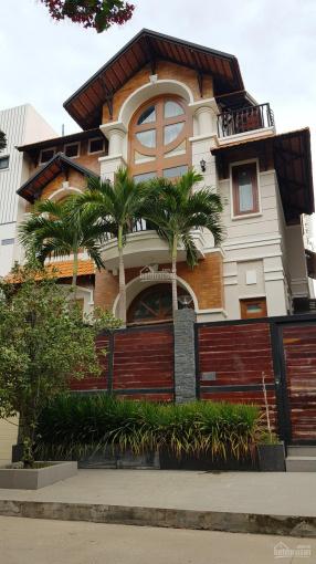 Biệt thự 10x23m và 11.8x26m xây 1 trệt 3 lầu có hồ bơi, giá 31 tỷ khu 215 Nguyễn Văn Hưởng ảnh 0