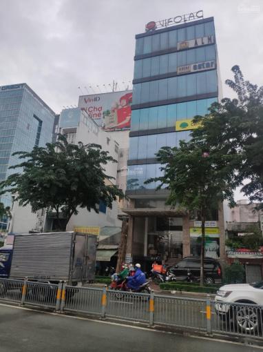 Bán gấp tòa nhà mặt tiền Bến Vân Đồn, Quận 4 liền kề quận 1, 9.5x26m, hầm 8 tầng, giá 100 tỷ ảnh 0
