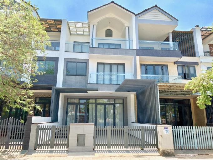 Cho thuê nhà phố liên kế đầy đủ nội thất hướng Tây Bắc giá tốt - ToanTranVillas 0903.664.575 ảnh 0