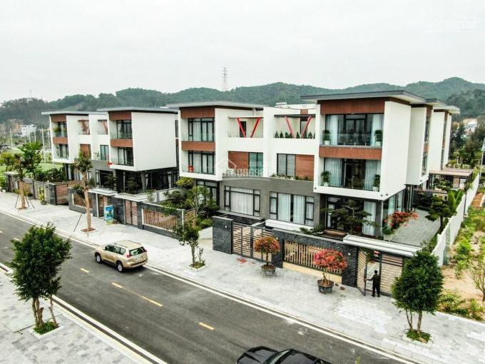 Bán biệt thự Phương Đông Vân Đồn Quảng Ninh 300m2 giá chỉ từ 7 tỷ nằm ngay trên vịnh Bái Tử Long ảnh 0