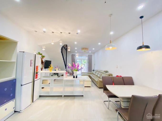 Nhà Phố Mega Ruby, hoàn thiện nội thất, khu Compound an ninh, diện tích 5x18m, 0908 96 97 95 ảnh 0
