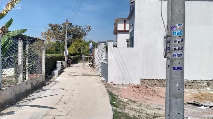 Bán đất ngay trung tâm TT Long Điền 8.2x14m, 60m2 TC giá 820tr ảnh 0