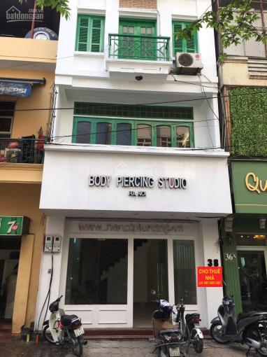 Cho thuê nhà MP Trần Khát Chân: 70m2 x 6 tầng, MT: 5m, nhà khá mới, chia 2phòng, rb. LH: 0974557067 ảnh 0